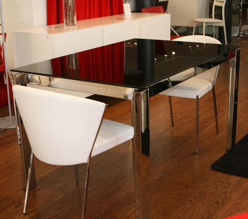 XZQTCalligaris Baron Dining Table